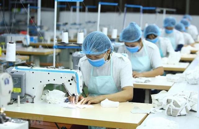 Lao động ngành dệt may.