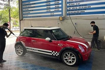 Nhiều xưởng sửa chữa ôtô tại Hà Nội hoạt động trở lại