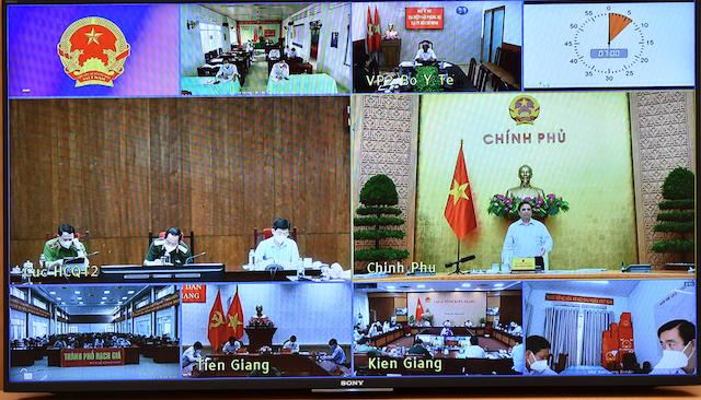 Thủ tướng Phạm Minh Chính yêu cầu phấn đấu với quyết tâm, nỗ lực lớn hơn nữa để kiểm soát dịch bệnh trong thời gian sớm nhất