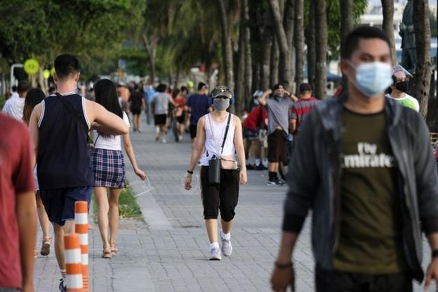 Philippines nới lỏng các biện pháp hạn chế tại thủ đô Manila. Ảnh: Bloomberg.