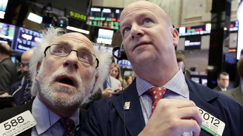 Phố Wall giảm sâu, S&P 500 xuống dưới MA50