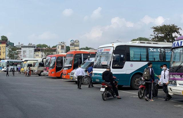 Hà Nội xây dựng phương án mở lại dịch vụ vận tải công cộng và liên tỉnh theo từng giai đoạn.