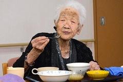 Thói quen mua thực phẩm giúp số người 100 tuổi ở Nhật Bản ngày càng nhiều