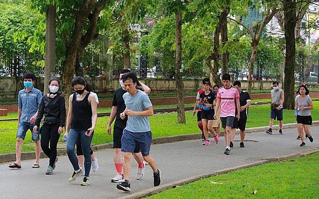 Người dân sắp được tập thể dục trở lại ở Công viên Thống nhất (Hai Bà Trưng, Hà Nội).