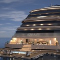 """<p class=""""Normal""""> Huyền thoại thiết kế kiến trúc và nội thất Jean – Michel Gathy là người đứng sau diện mạo của M/Y Njord. Ông cùng với công ty kiến trúc Denniston của mình cũng chính là tác giả của rất nhiều công trình khách sạn xa xỉ trên khắp thế giới như bể bơi vô cực ở Marina Bay Sands hay resort One &amp; Only đẳng cấp ở Maldives.<span>Ảnh:</span><em>M/Y Njord</em></p>"""