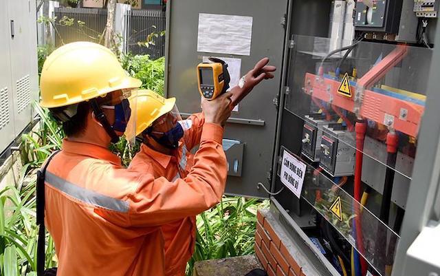 EVN lệnh cắt giảm, các ông chủ nhà máy điện lo lắng