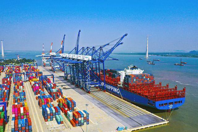 TP HCM xem xét lùi thời gian thu phí hạ tầng cảng biển.