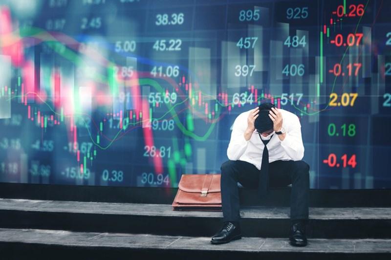 Lực bán vẫn mạnh, VN-Index giảm gần 11 điểm