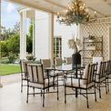 """<p class=""""Normal""""> Vào thời điểm đó, khu nhà này còn được coi là vô cùng đắc địa khi rất gần Bel-Air và Beverly Hills. Ngoài ra từ đó còn có thể đi bộ đến nhà của Jack Warner, ông chủ Warner Bros. studio sau này được bán cho Jeff Bezos với giá 165 triệu USD.<span style=""""color:rgb(34,34,34);"""">Ảnh:</span><em style=""""color:rgb(34,34,34);"""">Hilton and Hyland</em></p>"""