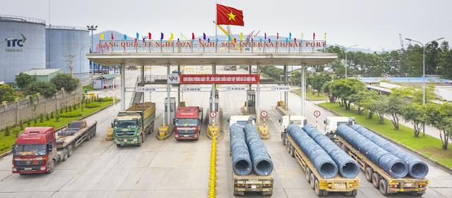 Đề xuất cảng biển Nghi Sơn (Thanh Hóa) được nhập khẩu ôtô dưới 16 chỗ. Ảnh minh họa.