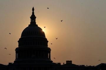 Hạ viện Mỹ đình chỉ áp trần nợ, thông qua dự luật giúp chính phủ hoạt động đến cuối năm