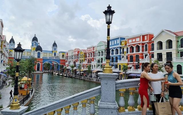 Người dân và doanh nghiệp mong muốn Phú Quốc sớm mở cửa đón khách du lịch khi công dân thành phố đảo được tiêm đầy đủ 2 liều vaccine phòng Covid-19.