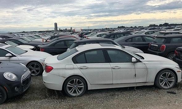 Cận cảnh gần 3.000 xe BMW và Mini mới toanh bị vứt xó đến mục nát