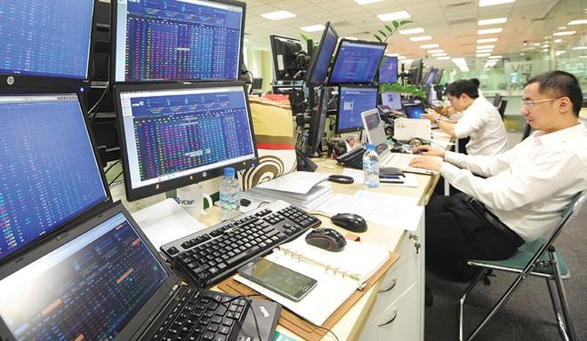 Khối ngoại bán ròng tuần thứ 7 liên tiếp trên HoSE, MBB được gom mạnh