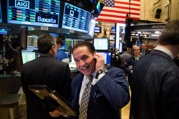 Nhà đầu tư 'thở phào' sau khi Fed họp, Phố Wall tiếp tục tăng 1%
