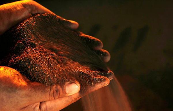 Fitch Solutions: Giá nickel sẽ giảm thấp trong suốt 2 quý tới sau khi đạt đỉnh 7 năm