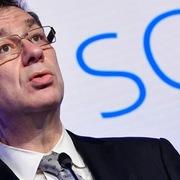 CEO Pfizer: Cuộc sống sẽ bình thường trở lại trong một năm