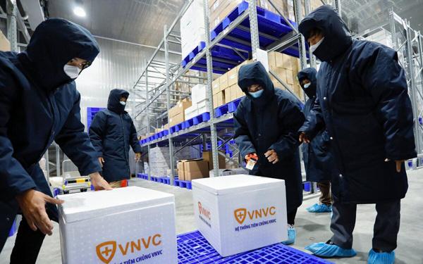 VNVC: Đặt cọc và sẵn sàng mất trắng 700 tỷ đồng để có vaccine sớm nhất, hệ sinh thái nghìn tỷ hậu thuẫn phía sau