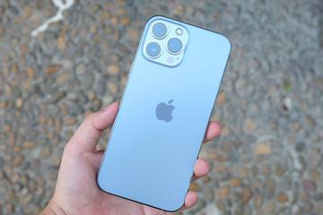 Giá iPhone 13 Pro Max xách tay 'nhảy múa' theo giờ, giảm gần 10 triệu đồng sau 2 ngày về Việt Nam