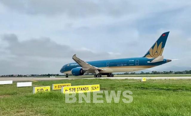 Cục Hàng không yêu cầu các hãng hàng không tạm dừng bán vé nội địa cho đến khi kế hoạch vận tải hành khách được Bộ Giao thông công bố.