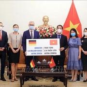 Việt Nam tiếp nhận 2,6 triệu liều vaccine AstraZeneca từ Chính phủ Đức