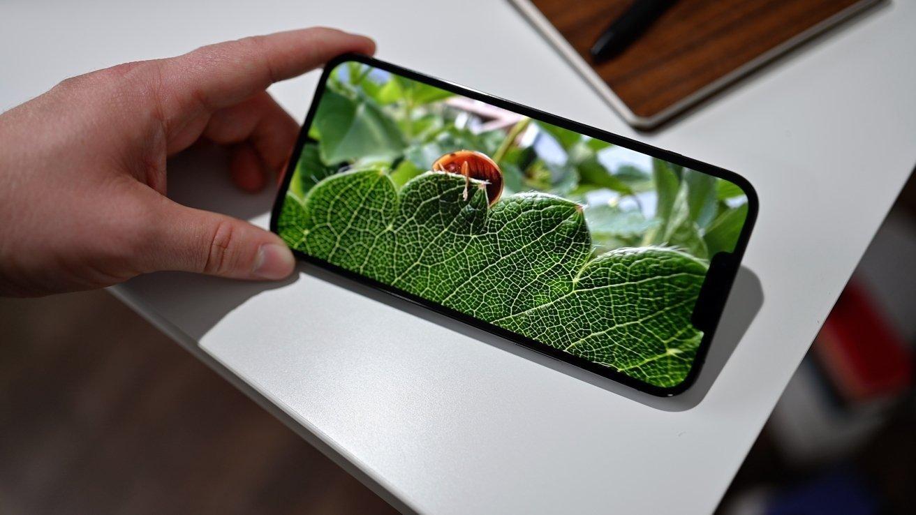 Màn hình iPhone 13 Pro Max tốt nhất thế giới