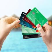 Vay qua thẻ tín dụng sắp được miễn giảm phí và lãi