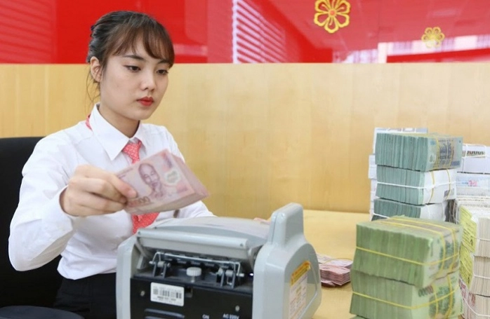 Ngành ngân hàng lo rủi ro trung hạn