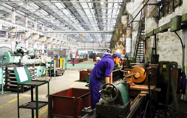 PMI duy trì ở vùng 40 điểm, người lao động mất việc tăng nhanh kỷ lục