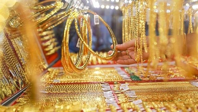 Khoảng cách giữa giá vàng SJC với thế giới vẫn rất lớn