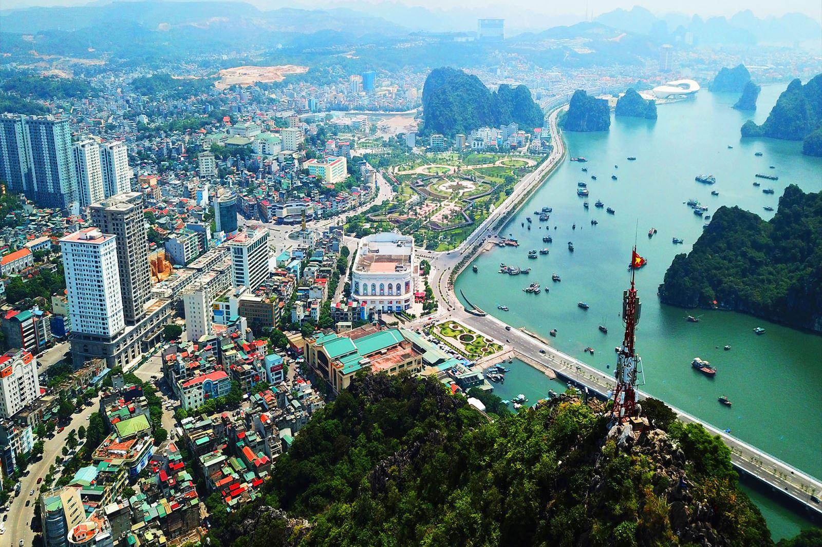 BĐS tuần qua: Chuẩn bị khởi công dự án tỷ USD của Vingroup, 4 nhà đầu tư đề xuất làm đường vành đai 4 Hà Nội