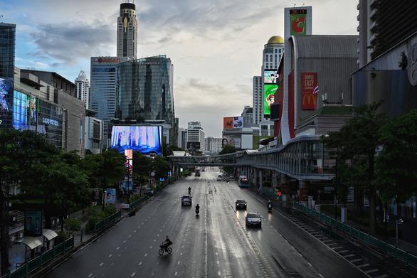 Covid-19 đe dọa kế hoạch mở cửa ngành du lịch của Thái Lan