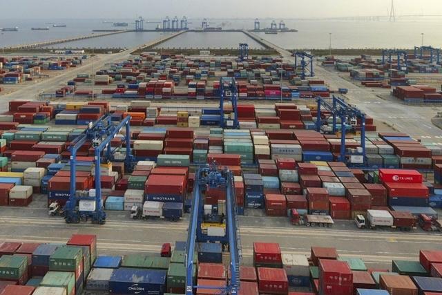 Trung Quốc chưa thực hiện đúng cam kết tăng mua hàng từ Mỹ theo điều khoản có trong thỏa thuận thương mại giai đoạn 1. Ảnh: AP