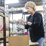 Chuỗi cung ứng toàn cầu hỗn loạn trước mùa mua sắm cuối năm