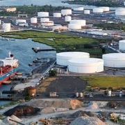 Giá dầu tăng, WTI chạm đỉnh 7 năm