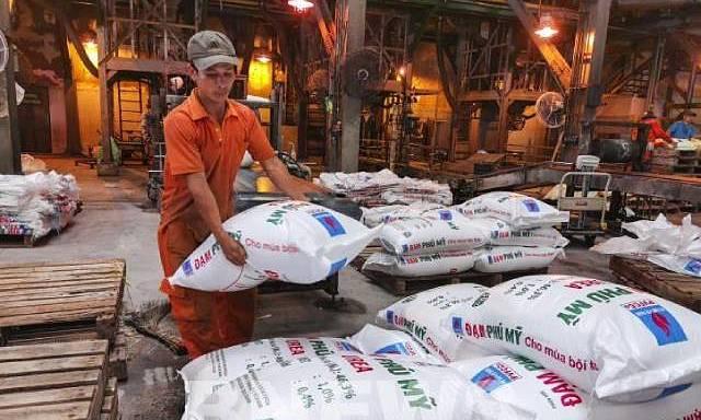 Giá các loại phân bón sẽ tăng mạnh theo giá dầu