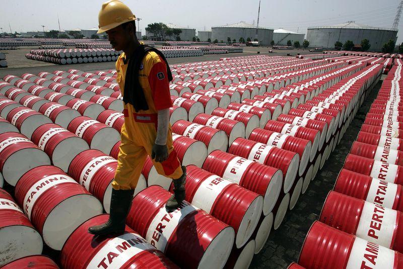 Tồn kho tại Mỹ bất ngờ tăng, giá dầu giảm sâu