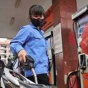 Đề xuất rà soát, giảm các loại thuế xăng dầu
