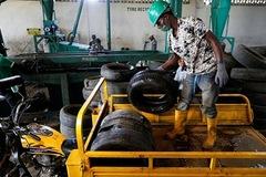 Lốp ôtô cũ - 'vàng đen' ở Nigeria