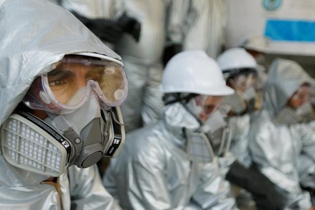 GS Wang cảnh báo chúng ta có thể đối mặt đại dịch mới từ virus lây từ người ngược trở lại động vật. Ảnh: UNR.