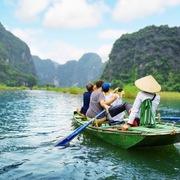 Du lịch Việt dự kiến mở cửa hoàn toàn với khách quốc tế từ 6/2022