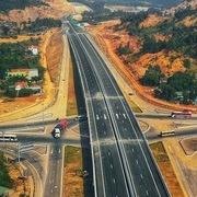 Đường cao tốc Bắc - Nam: 1 dự án chậm tiến độ, 24 nhà thầu bị xử lý
