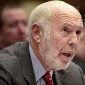 """<p class=""""Normal""""> <strong>1. Jim Simons</strong></p> <p class=""""Normal""""> Xếp hạng trong Forbes 400: # 28</p> <p class=""""Normal""""> Giá trị tài sản ròng: 24,4 tỷ USD</p> <p class=""""Normal""""> Giá trị tài sản ròng năm 2020: 23,5 tỷ USD</p> <p class=""""Normal""""> Simons là nhà quản lý quỹ phòng hộ giàu nhất nước Mỹ năm thứ tư liên tiếp. Ông thành lập Renaissance Technologies vào năm 1982. Dù Simons đã nghỉ hưu hơn một thập kỷ trước, ông vẫn là đồng chủ tịch của Renaissance, công ty quản lý tài sản khoảng 50 tỷ USD và hưởng lợi từ các quỹ của nó. (Ảnh: <em>AP/Getty Images</em>)</p>"""