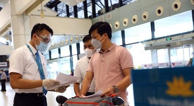 Hành khách bay từ TP HCM, Đà Nẵng đến Hà Nội được cách ly tại nhà