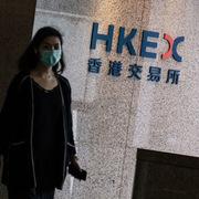 Chứng khoán châu Á trái chiều, Hong Kong dẫn đầu đà tăng