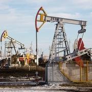 Giá dầu trái chiều sau phiên nhiều biến động