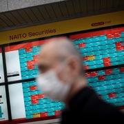 Trung Quốc công bố số liệu thương mại tháng 9, chứng khoán châu Á trái chiều