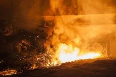 Giá quặng lao dốc vì thiếu điện cho sản xuất thép ở Trung Quốc