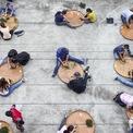 <p> Nhiều sinh viên đến Trạm nghiên cứu và khuyến nông trà ở Nam Đầu, Đài Loan để thực hành cuộn trà bằng tay.</p>