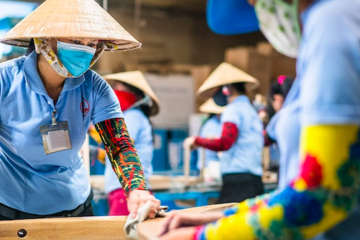 WB hạ dự báo tăng trưởng kinh tế Việt Nam xuống 2-2,5%